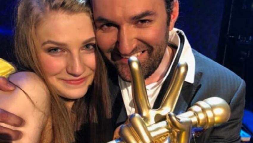 Foto: Video! Ana Munteanu a lansat prima piesă din cariera sa. Smiley a ajutat-o!