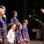 Foto: Video! Copiii italieni colindă în limba română