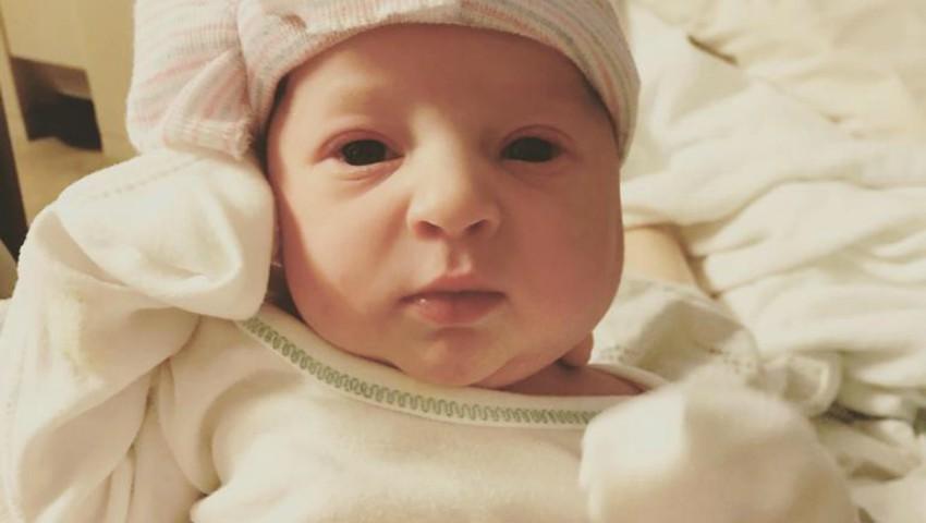 Foto: Când acest bebeluș a fost conceput, mama lui avea doar un an și jumătate. Cum a fost posibil?