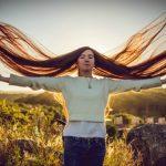Foto: Fata cu cel mai lung păr din lume. Măsoară 1,52 metri