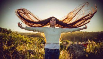 Fata cu cel mai lung păr din lume. Măsoară 1,52 metri