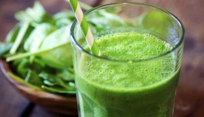 Rețeta unui smoothie verde perfect după sărbători. Scapi de kilogramele în plus rapid și sigur
