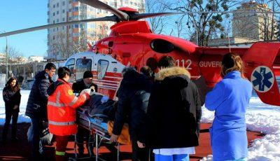 Un tânăr din Chișinău cu picioarele amputate a fost transportat cu elicopterul la București