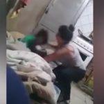 Foto: Video îngrozitor. O mama își bate cu sălbăticie copilul de 3 ani pentru că i-a pierdut tableta
