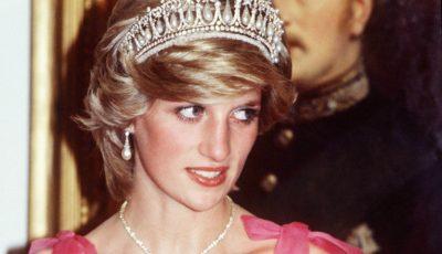 Nepoata Prințesei Diana seamănă perfect cu aceasta