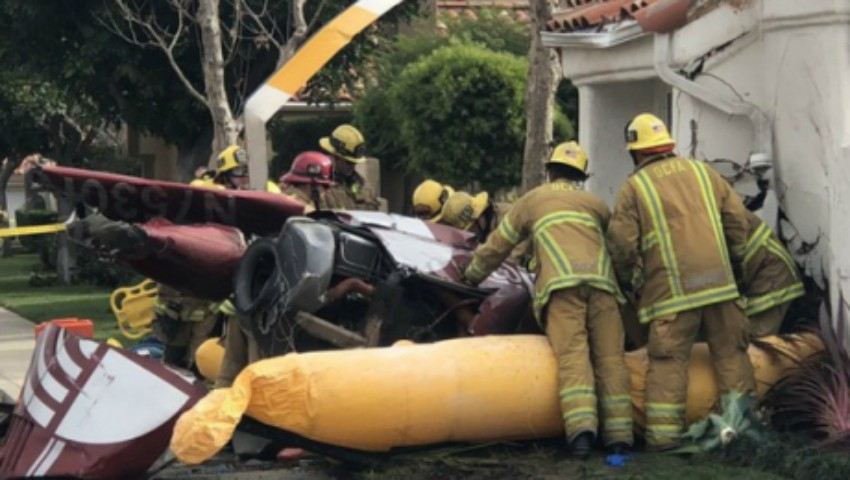 Foto: Trei oameni au murit după ce un elicopter s-a prăbușit peste o casă din California