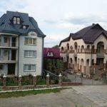 Foto: Așa arată un sat din Ucraina, în care nu vei vedea nici o casă cu un singur nivel