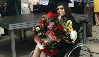 O tânără în scaun cu rotile a devenit medic