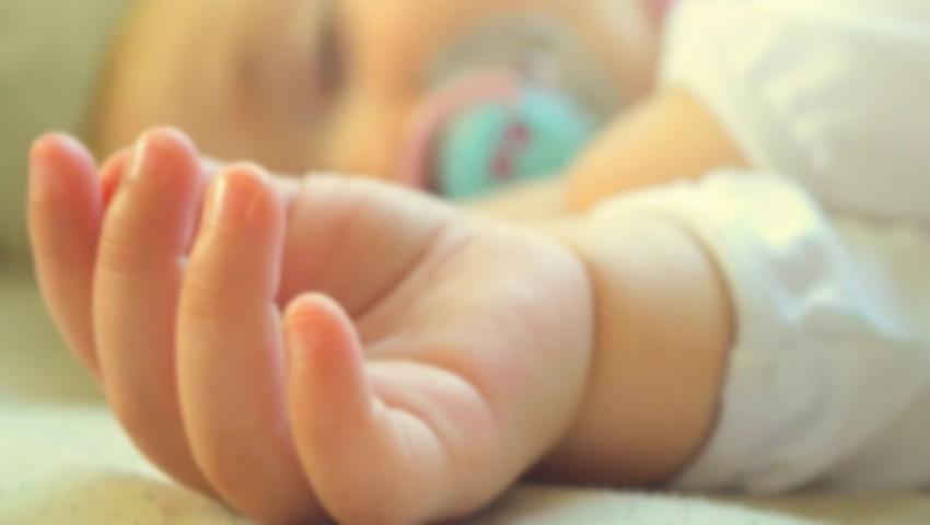 Foto: Cumplit! Un bebeluș de patru luni din Soroca a murit în somn