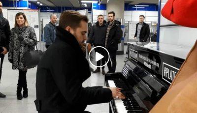 """Omagiu Poetului în metroul din Londra! Cătălin Josan a interpretat spontan piesa """"De-aș avea…"""""""