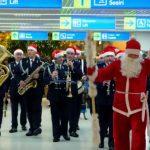 Foto: Video! Poliția de frontieră îi urează pe călătorii Aeroportului Internațional Chișinău