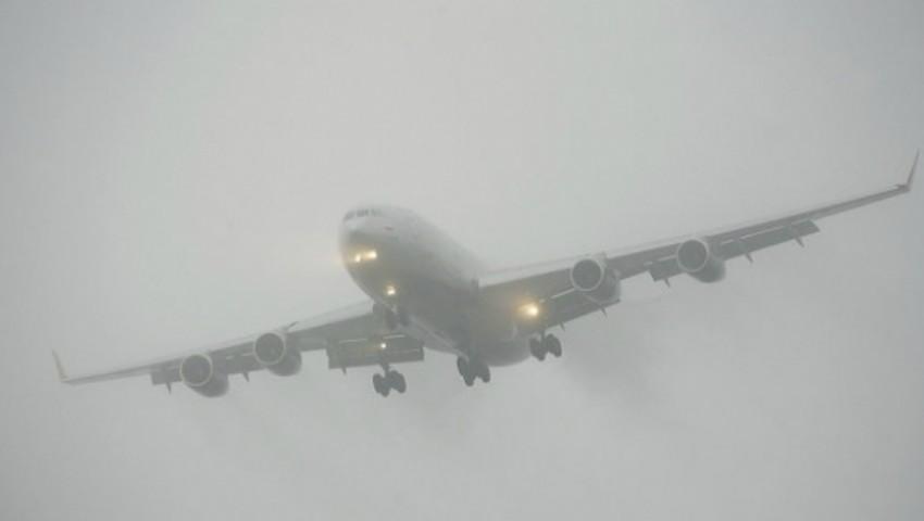 Foto: Mai multe curse aeriene înregistrează întârzieri pe Aeroportul din Chișinău din cauza ninsorii