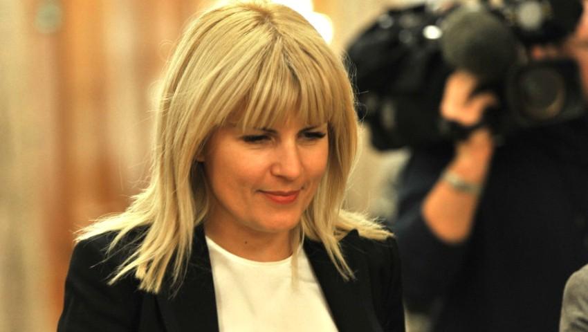 Reacția Elenei Udrea după ce presa a scris că urmează să devină mamă la 44 de ani