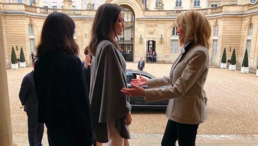 Foto: Angelina Jolie a fost primită de Prima Doamnă a Franței