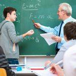 Foto: De la 1 septembrie, în liceele din țară vor putea preda doar profesorii cu diplomă de master