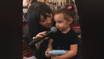 Video! Fiica Andrei cântă împreună cu mama sa