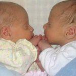 Foto: O mamă din Ștefan Vodă și-a născut bebelușii gemeni în ambulanță
