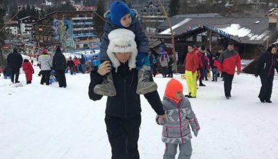Elena Băsescu a atras toate privirile de Revelion. Iată ce a făcut împreună cu copiii săi!