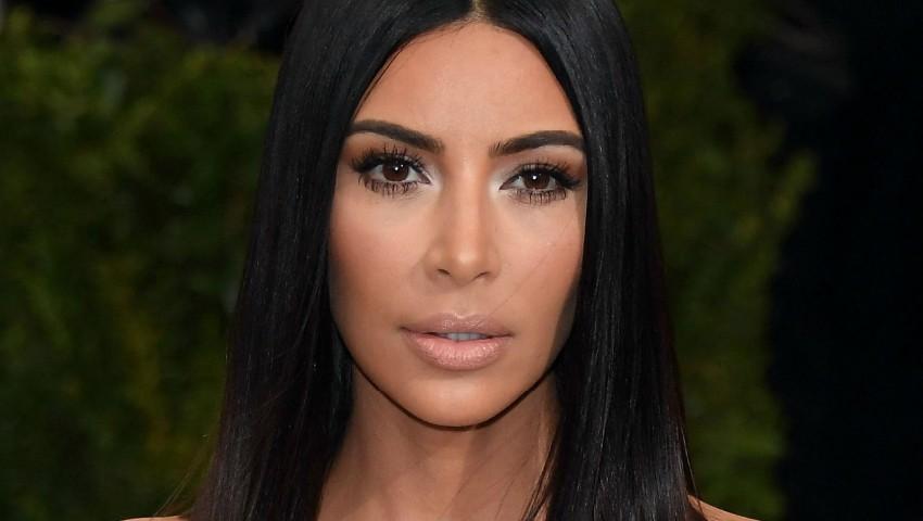 Kim Kardashian a devenit mamă pentru a treia oară