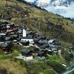 Foto: Se oferă bani familiilor cu copii care vor să se mute în Elveția