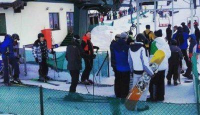 Președintele României, la schi, în munții Șureanu, a stat la rând la telescaun