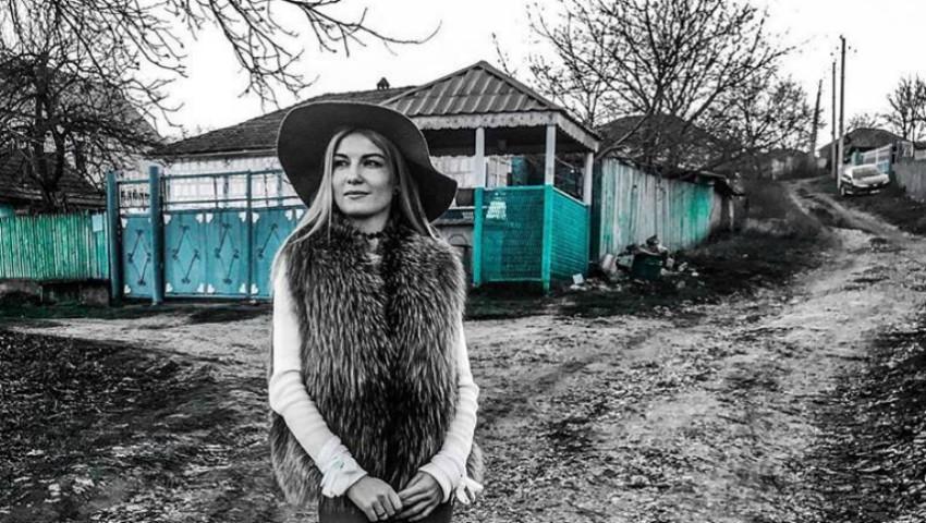 Foto: Mariana Mihăilă a devenit nostalgică după anii copilăriei!