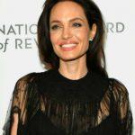 Foto: Angelina Jolie, alături de fiicele ei la o gală în New York