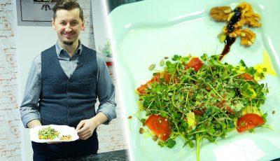 Eduard Musteață a gătit o salată în miniatură, dar bogată în nutrienți