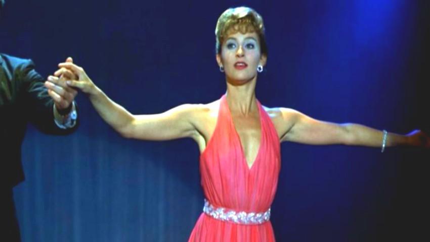 """Foto: Cum arată Jennifer Grey în rochia din """"Dirty Dancing"""", după 30 de ani de la apariția filmului"""