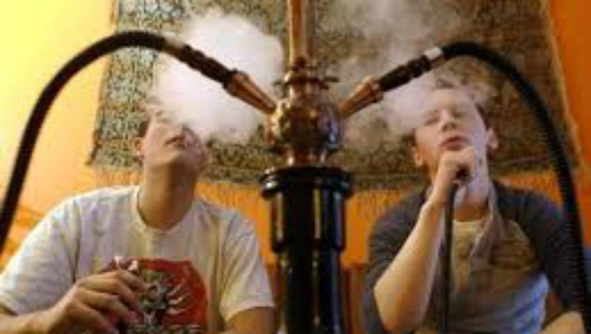 Foto: Atenție! O oră de fumat narghilea = 200 de țigări