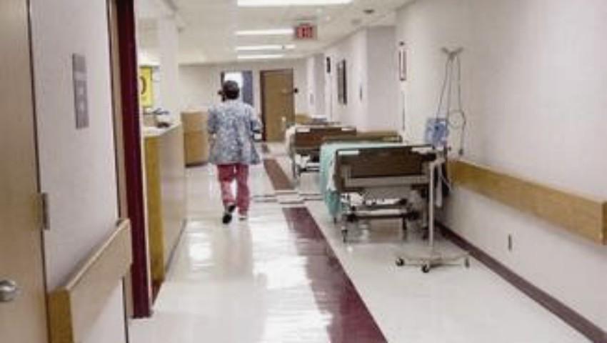 O femeie care nu știa că era însărcinată a născut în toaleta unui spital