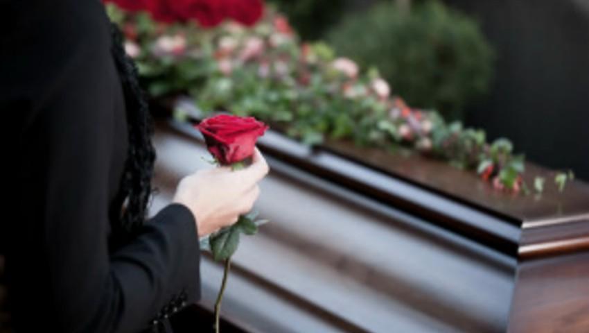 Foto: Se poartă sau nu haine de doliu după înmormântare? Ce scrie în Biblie