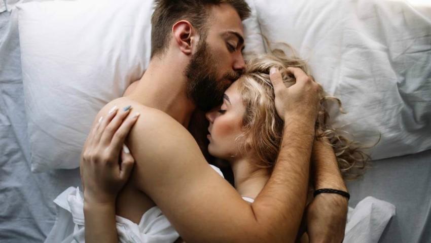 Foto: Ce se întâmplă cu corpul tău dacă nu faci sex