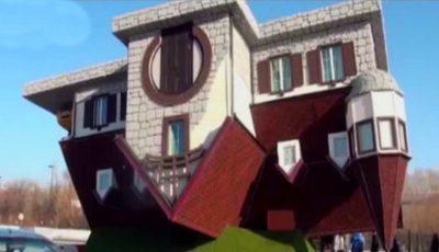 Cea mai ciudată casă, construită cu susul în jos, se află în Rusia. Vezi cum arată în interior!