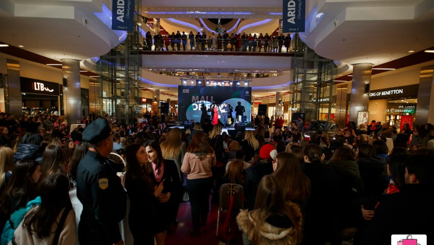 "Foto: Cele mai fashion ținute au adus primăvara la ""Mall of Fame""!"