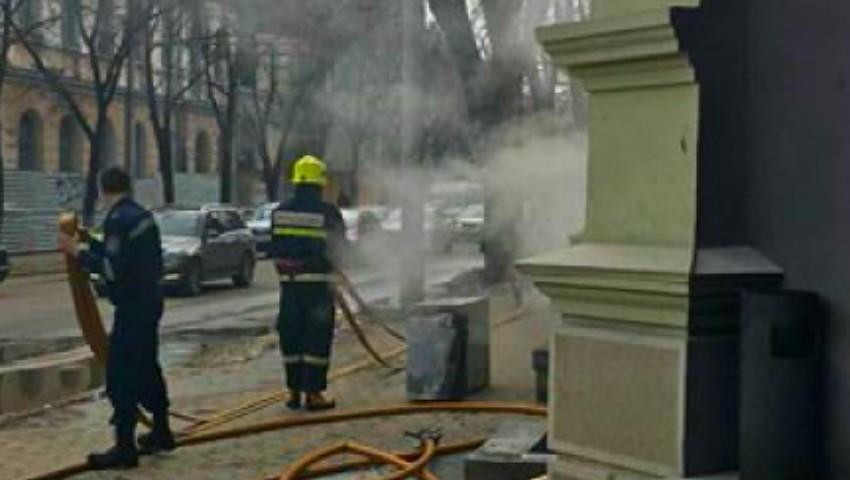 Foto: Incendiu de proporții în centrul Capitalei! Arde un restaurant