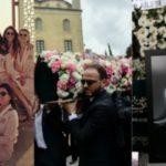 Foto: Tinerele ucise în accidentul aviatic din Iran au fost conduse pe ultimul drum în aceeași zi. Imagini de la funeralii