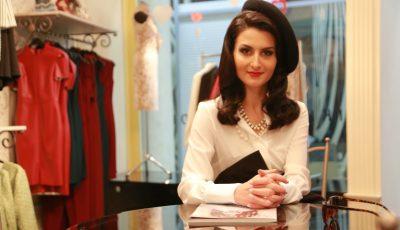 Schimbare de look pentru Elena Bălăn! Stilul unei franțuzoaice rafinate i s-a potrivit ca o mănușă