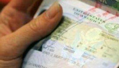 Le-a promis vize în Italia, dar a dispărut cu tot cu bani
