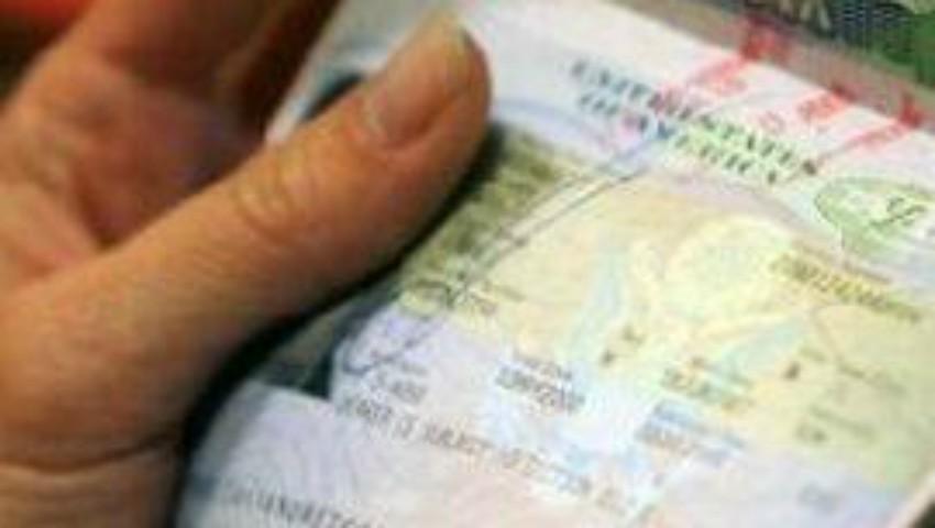 Foto: Le-a promis vize în Italia, dar a dispărut cu tot cu bani