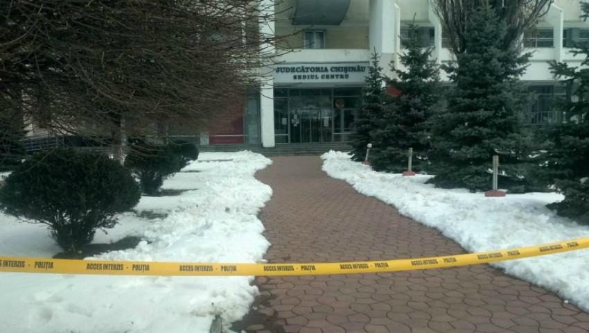 Foto: Alertă cu bombă în centrul Capitalei