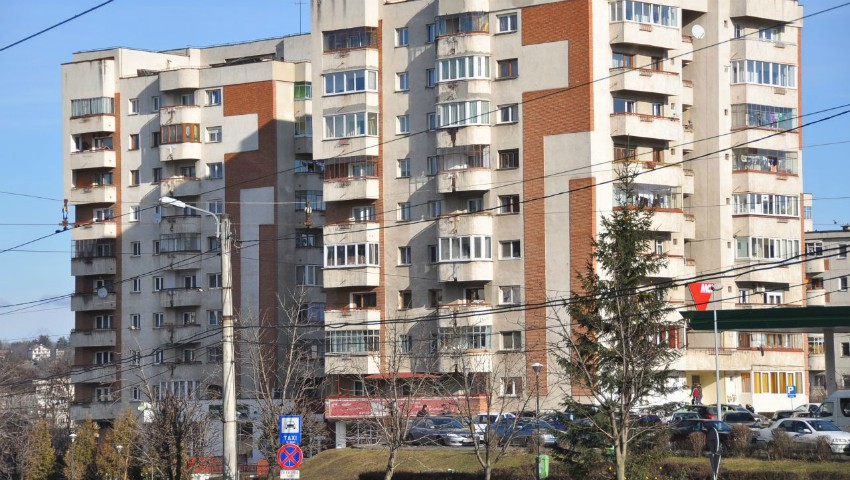 Foto: Caz terifiant! O femeie din Cluj a fost aruncată de la etajul zece chiar de nepotul său