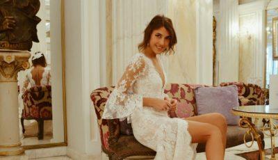 Bloggerița Cristina Surdu se pregătește să îmbrace rochia de mireasă!
