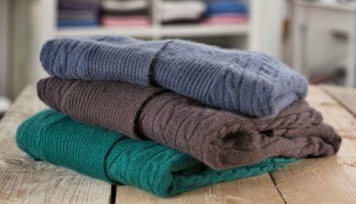 Cum să speli corect hainele din cașmir și lână