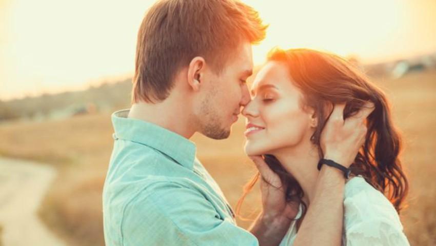 Foto: SMS-uri pe care să le transmiți iubitului pentru a-l face să se gândească la tine