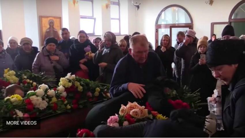 Foto: Video! Lacrimi și durere la Kemerevo. Părinții și-au înmormântat astăzi copiii