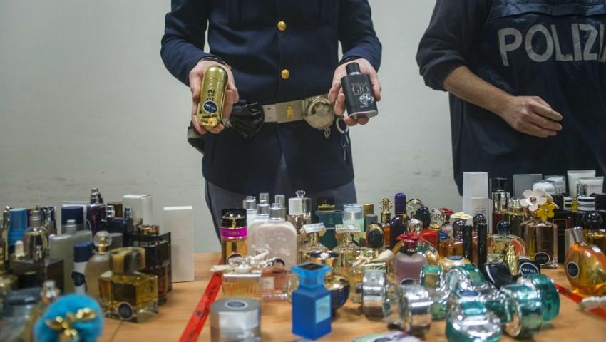 Foto: O moldoveancă stabilită în Italia a furat mai multe produse cosmetice dintr-un magazin duty-free