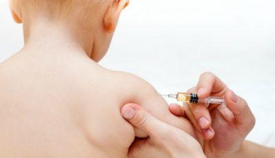 Declarația Ministerului Sănătății: copiii pot fi vaccinați în colectivități, cu respectarea cerințelor privind imunizarea