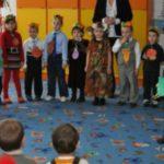Foto: Scandal la grădinița din Grătiești. Părinții acuză educatoarea că vine beată la muncă și maltratează copiii