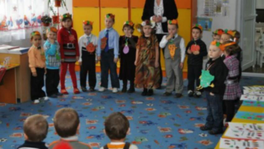 Scandal la grădinița din Grătiești. Părinții acuză educatoarea că vine beată la muncă și maltratează copiii